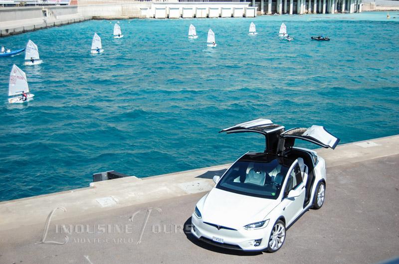 Tesla Model X en location avec Chauffeur à Monaco - Monte